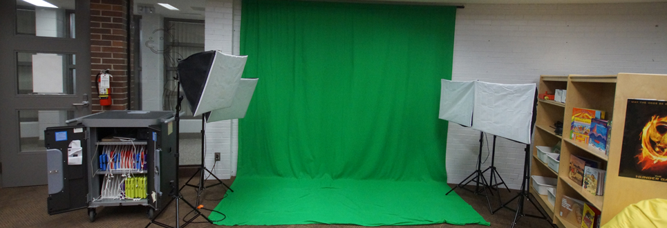 Green Screen, ipads and lights